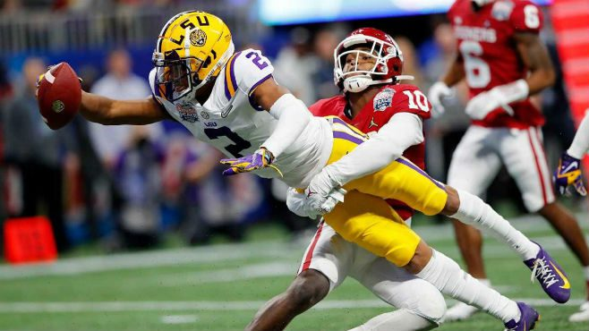 LSU wide receiver Justin Jefferson stretching out for a touchdown. — Photo courtesy of CBS Sports
