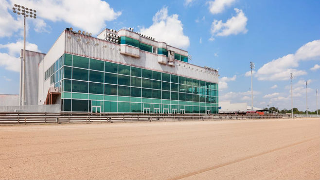Evangeline Downs wrapped up its thoroughbred season last weekend.
